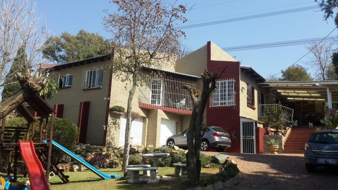 3 Bedroom House For Sale in Paulshof - Home Sell - MR131929