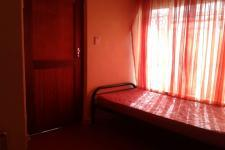 Bed Room 2 of property in Pacaltsdorp