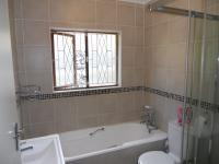 Bathroom 1 - 5 square meters of property in Shulton Park