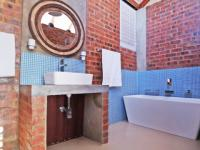 Bathroom 2 - 9 square meters of property in Boardwalk Meander Estate