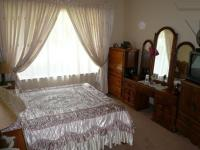 Main Bedroom - 18 square meters of property in Erasmia