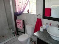 Main Bathroom - 5 square meters of property in Erasmia