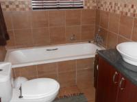 Bathroom 1 - 5 square meters of property in Pomona