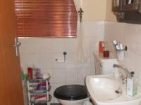 Main Bathroom - 14 square meters of property in Garsfontein