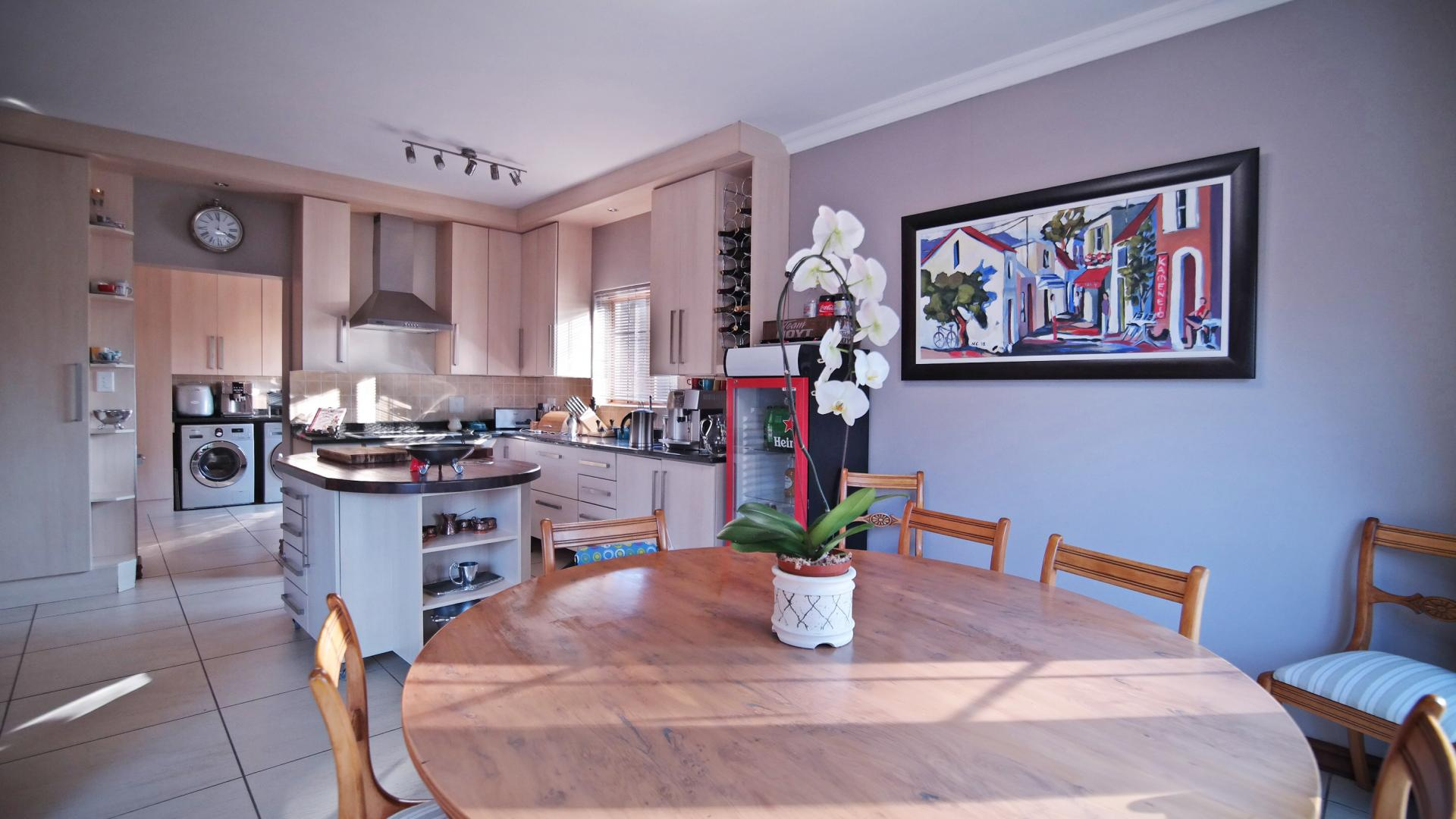 Dining Room - 12 square meters of property in Cormallen Hill Estate
