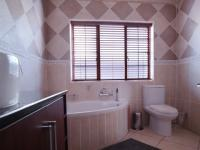 Bathroom 1 - 7 square meters of property in Cormallen Hill Estate
