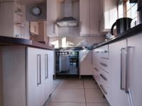 Kitchen - 9 square meters of property in Cormallen Hill Estate