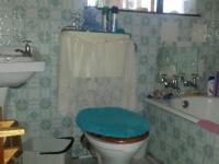 Bathroom 1 - 4 square meters of property in Krugersdorp
