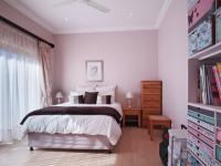 Bed Room 1 - 18 square meters of property in Silver Lakes Golf Estate