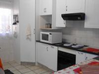 Kitchen - 6 square meters of property in Montana