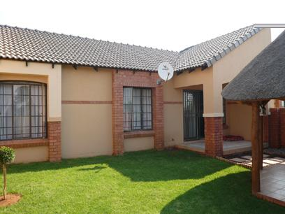 2 Bedroom Simplex for Sale For Sale in Equestria - Home Sell - MR13216