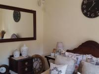 Bed Room 2 - 12 square meters of property in Eldoraigne