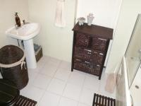 Main Bathroom - 6 square meters of property in Erasmuskloof