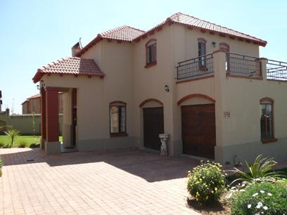 3 Bedroom House For Sale in Wapadrand - Private Sale - MR13221