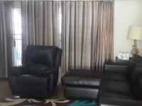 Lounges - 20 square meters of property in Douglasdale