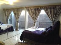 Main Bedroom of property in Kagiso