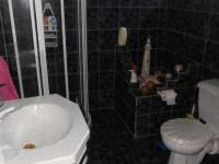 Bathroom 1 - 9 square meters of property in Dalpark