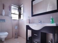 Bathroom 2 - 6 square meters of property in Cormallen Hill Estate