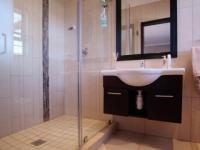 Bathroom 3+ - 5 square meters of property in Cormallen Hill Estate