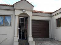 3 Bedroom 2 Bathroom Cluster for Sale for sale in Humansdorp