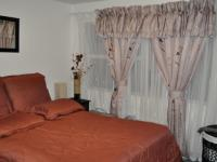 Bed Room 1 - 13 square meters of property in Windsor