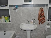 Main Bathroom - 8 square meters of property in Windsor