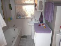 Main Bathroom - 7 square meters of property in Clarina