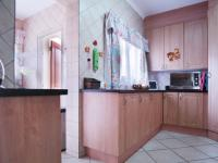 Kitchen - 9 square meters of property in The Meadows Estate