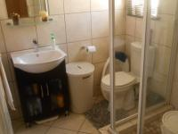 Main Bathroom - 9 square meters of property in Kosmosdal
