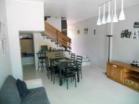 Lounges - 18 square meters of property in Amanzimtoti