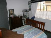 Bed Room 1 - 16 square meters of property in Amandasig