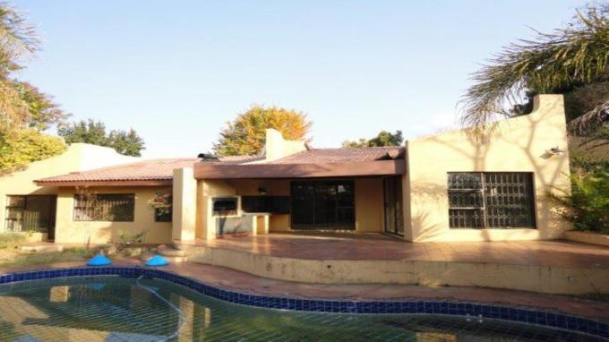 Standard Bank EasySell 3 Bedroom House For Sale in Sharonlea - MR132428