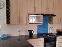 Kitchen - 9 square meters of property in West Acres