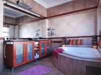 Main Bathroom - 13 square meters of property in Irene Farm Villages