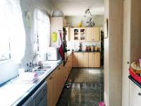 Kitchen of property in Waverley