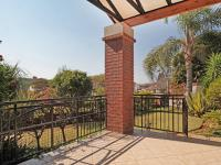 Patio - 12 square meters of property in Woodhill Golf Estate