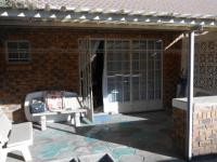 Patio - 19 square meters of property in Kempton Park
