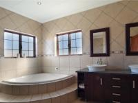Main Bathroom - 16 square meters of property in Olympus Country Estate