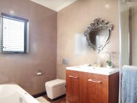 Bathroom 1 - 6 square meters of property in Newmark Estate