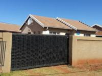 Front View of property in Vosloorus