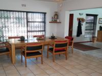 Dining Room - 21 square meters of property in Bothasig