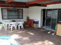 Patio - 39 square meters of property in Bothasig