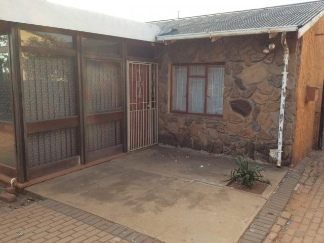 Standard Bank EasySell 3 Bedroom Cluster for Sale For Sale in Klopperpark - MR132796