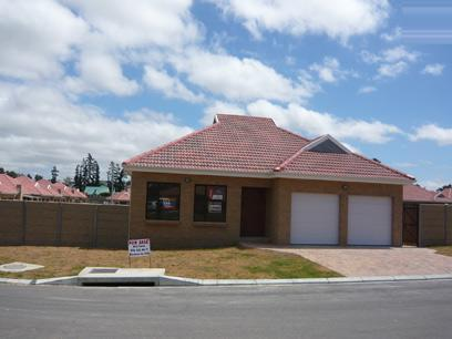 3 Bedroom House for Sale For Sale in Durbanville   - Private Sale - MR13281