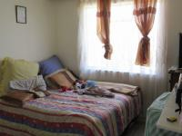 Bed Room 2 - 13 square meters of property in Krugersdorp