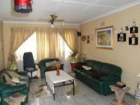 Lounges - 13 square meters of property in Krugersdorp