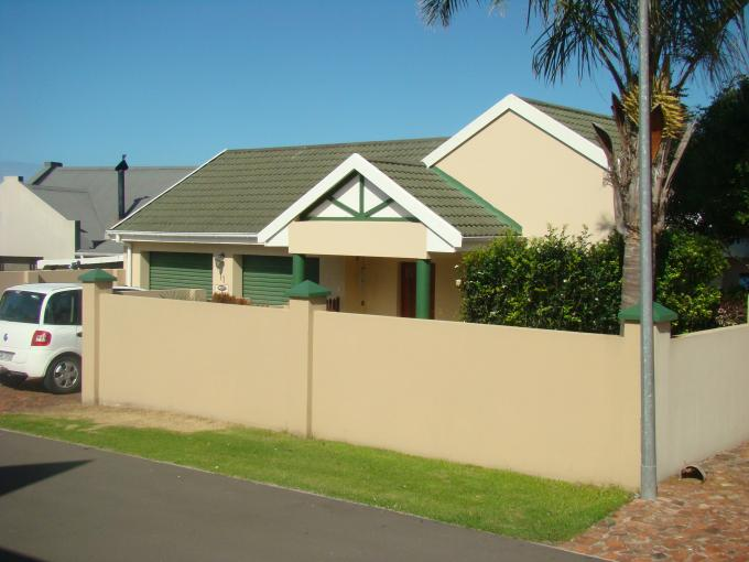 Standard Bank EasySell 3 Bedroom House For Sale in George Central - MR132839