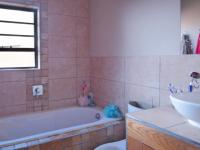 Bathroom 2 - 4 square meters of property in The Meadows Estate