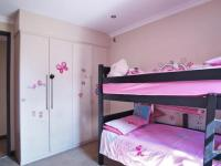 Bed Room 2 - 13 square meters of property in The Meadows Estate