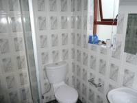 Bathroom 2 - 12 square meters of property in Parklands